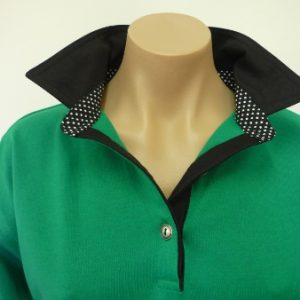 Emerald - black collar and tab and small spot collar stand